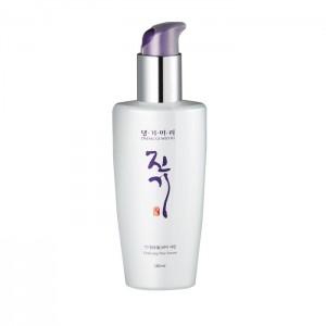 Восстанавливающая сыворотка для волос DAENG GI MEO RI (Корея) Vitalizing Hair Serum,140 мл